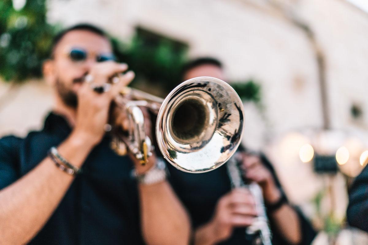 Dj e artisti nozze, un mix ideale tra live music e selezione da club per il tuo matrimonio esclusivo